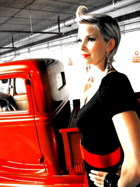 Living Statue - Sarah Red Vintage Car